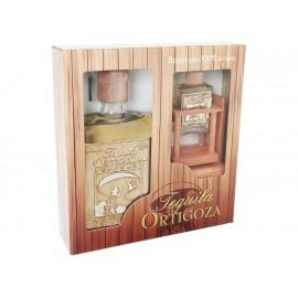 Tequila Ortigoza Reposado 750 ml + Replica en Miniatura - Envío Gratuito